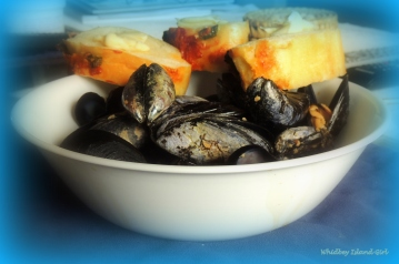 Whidbey's Spiced Mussels 218201502