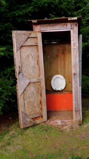 An Old Windy Loo